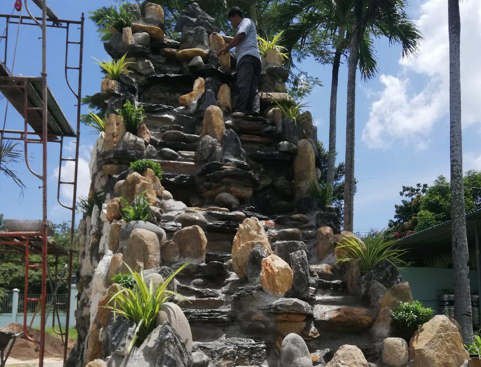 Non bộ thác nước nhà anh Danh Nguyễn ở bến cát bình dương | SĐT - 0909152065